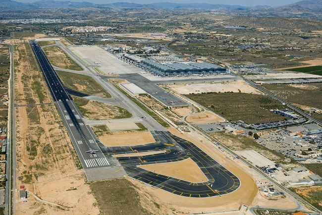 PISTA DO AEROPORTO DE ALICANTE