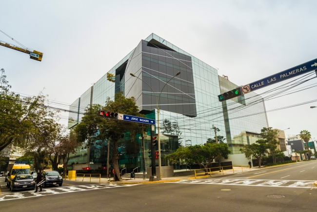 BUSINESS BUILDING BASADRE – PALMERAS, LIMA